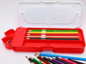 hộp bút nhựa